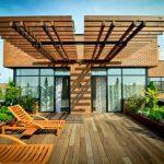 Sàn gỗ sân thượng ngoài trời làm từ vật liệu composite giả gỗ